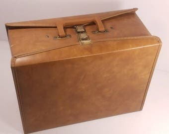 Vintage Audio Cassette Tape Storage Case, 60 Cassette Travel Case by Service Mfg. Made in USA, Faux Leather, Good Condition