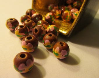 Wooden Beads with Hand Painted Pink Hibiscus Flowers, 8mm, Set of 10