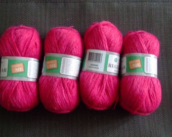 X 4 balls of yarn color pink