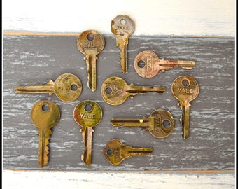 Antique Vintage Keys (10) Old Keys - Vintage Hardware Locksmith Keys - Lot 17