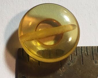 3/4 in Vintage Apple Juice Bakelite Button