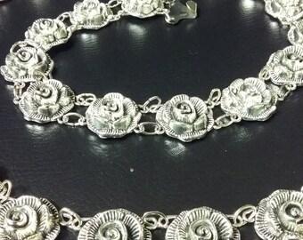 metal belt, chain belt, metal chain belt, tassel chain belt, metal blackening, rose belt, metal rose, metal tassel belt, black metal, rose