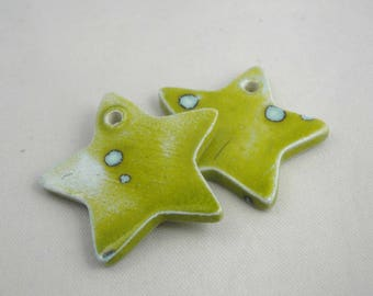 Star in ceramic make-hand 69:  green olive, 3 cm