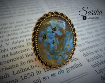 Real flower resin blue ring - Vintage gold color ring with pressed flower in clear resin cabochon, adjustable ring, forget me not ring