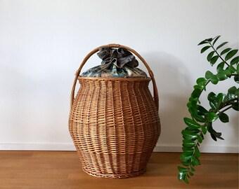 70's big laundry basket rattan