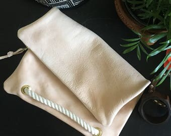 Leather Foldover clutch  / foldover clutch purse / bridesmaid gift / foldover leather clutch / summer fashion / travel bag / zippered clutch