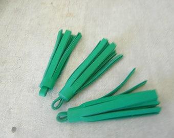 3 tassel 5 cm green leather fringe