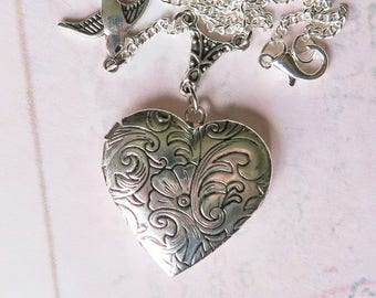 Heart Locket Necklace, Love Locket, Vintage Inspired Locket, Silver Heart, Romantic Necklace, Bridal Jewelry, Wedding Locket, Gift for Her,