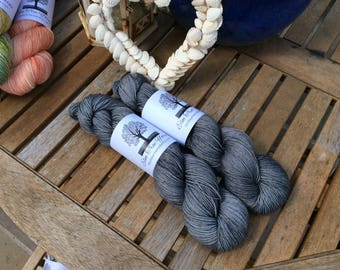 Worsted 4ply SWM with Nylon Muscel Shells