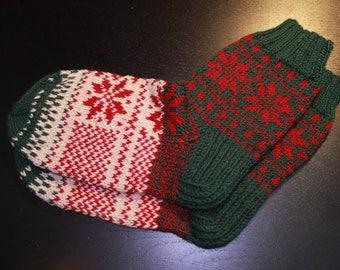Hand knit socks Knit knee socks Women socks Knitted wool Leg warmers Unusual socks Warm socks Girls socks Tourism socks Hiking Travel socks