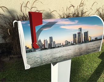 Detroit Skyline Magnetic Mailbox Cover
