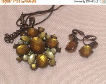 On Sale Vintage Brown Mosiac Necklace with Earrings