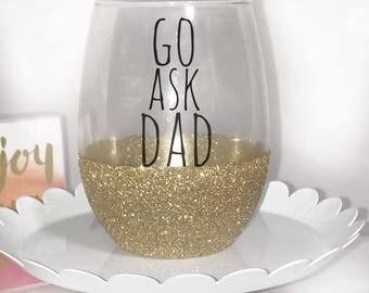 Wine glass for mom - funny wine glass for mom - gift for mom - funny gift for mom - Mother's Day gift - stemless wine glass - glitter glass