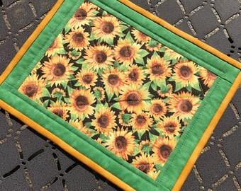 Sunflower mug rug,  quilted mug mats, coaster, trivet, snack mat, Quiltsy handmade, Item #235