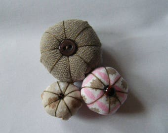 Beige and pink fabric flower brooch
