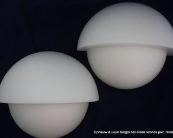 Sergio Asti, pair of white opaline glass wall lamps, for Raak Holland jaren 70