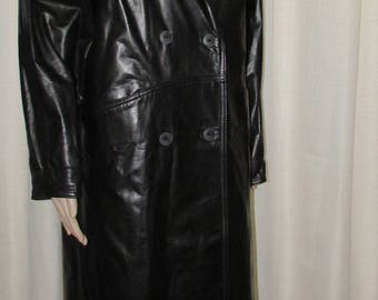stunning black vintage retro long leather coat / gorgeous vintage retro long leather jacket Canada bust 44