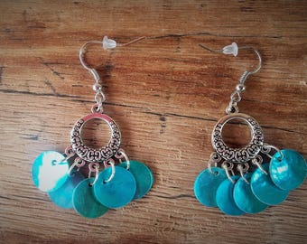 Turquoise sequins of mother-of-pearl earrings