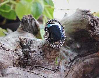 Native American Bell Trading signed sterling hematite ring size 6 1/2