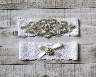 SALE - Wedding Garter Set, bridal garter set, vintage rhinestones, pearl and rhinestone garter set