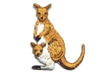 Kangaroo Patch, Kangaroo Iron on Patch, Kangaroo and Joey Iron on Patch, Kangaroo and Joey Patch, Kangaroo Appliqué - H1522