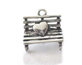 Bench Pendants, Seat Pendants in Silver Tone Metal, Bench with Heart Pendants - Pack of Five - H648