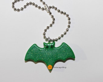 Resin Keychain ' bats ' (4 different pieces)