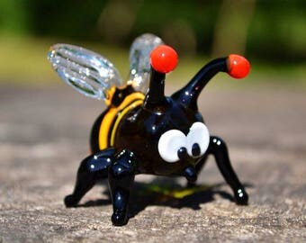 Blown Glass bee figurines collectible bee miniature yellow glass bee