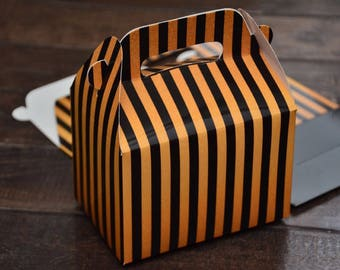 16 Black and Gold Favor Boxes / Treat Boxes / Gift Boxes