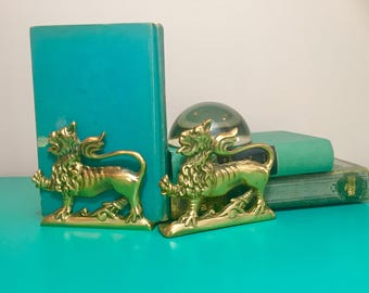 Vintage Brass Lion Bookends, Brass Bookends, Vintage Bookends, Boho Chic Home Decor, Brass Animal Bookends