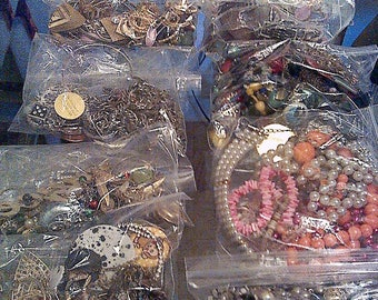 Vintage Jewelry,repairable,wearable,scrap,lots of rhinstones,beads,chains,earrings,necklaces alot of parts for repairing jewelry,