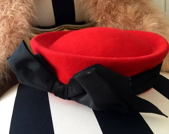 GEO W BALLMAN & Co. Vintage Wool hat Classic Red and Black ribbon