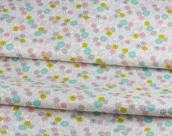 Coupon 50 x 108 cm fabric Japanese flowers on branch skip little green white flower field