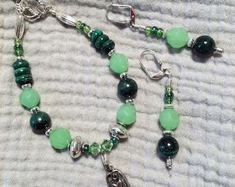"7 1/2"" Green Malachite Bracelet and Earrings"