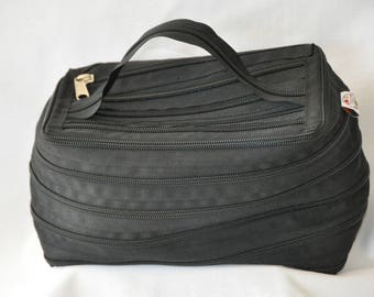 Toiletry bag beige entirely in French brand zipper