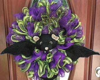25% OFF Halloween bat wreath, bat wreath, Halloween deco mesh wreath, Halloween wreath, outdoor wreath, Halloween door decor, bat decor,