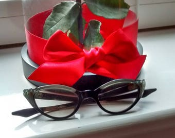 Collectable Spectacle ,Vintage Cat Eye Glasses Frames, Black and Silver