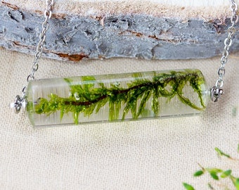 Necklace with moss, Terrarium necklace, Crystal moss necklace, Real flower necklace, Nature inspired necklace,Botanical Jewelry,Natural moss