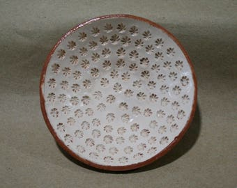 Ceramic plate, Plate flora, ceramic plate with a picture of cannabis, white ceramic plate, pottery, hemp leaves, ceramics hemp, small dish
