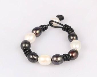 leather pearl bracelet pearl leather bracelet freshwater pearl jewelry wedding bracelet black white pearl bracelet bridesmaid bracelet