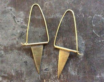 Minimalist triangle hoops//Brass
