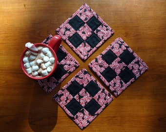 Peppermint Mug Rugs, Set of 4
