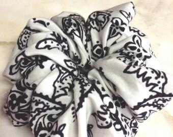 Set of three,Paisley print scrunchies,Novelty fabric used,Scrunchy,Scrunchies,Handmade,Hair ties,Hair accessories