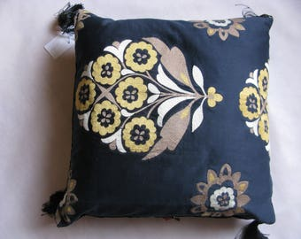 """Pillow embroidered black cotton and velvet ruffled """"Anthéa"""" 48 x 48, sale at-30%"""