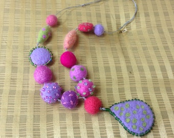 Colorful wool necklace