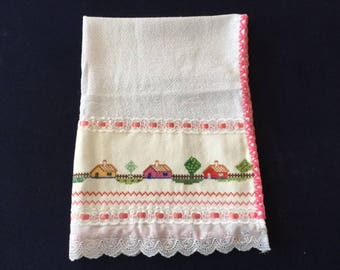 Kitchen Towel with a Red, Yellow & Pink House Design - Pink Trim