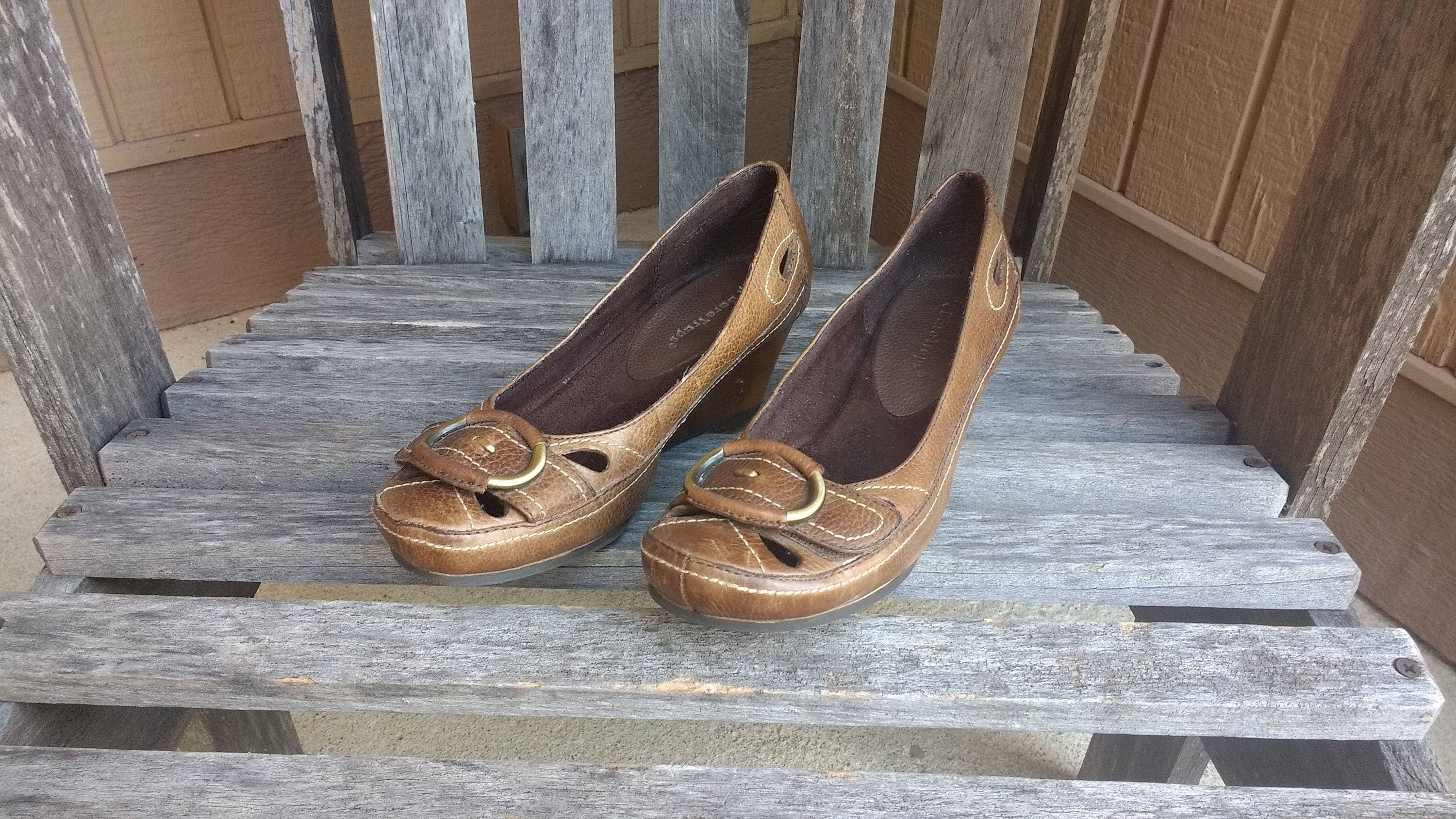 Vintage Brown Dalula Bare Traps Leather And Leather Lined Wood