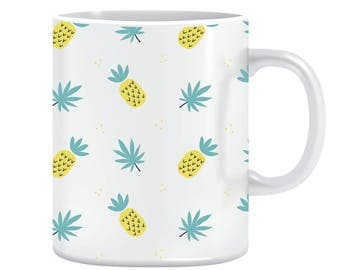 Pineapple pattern mug