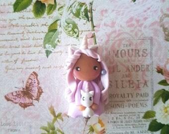 Collier poupée licorne violet