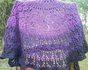 """Shawl """"blackcurrant and blackberry"""", merino wool spun with a spinning wheel"""